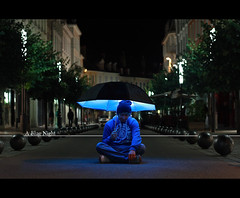 (Cdri-C.E) Tags: lighting street blue light boy man ctb night umbrella canon eos 50mm fance nightshot flash bleu rue nuit bluelight strobe nightstreet bluenight 50mmf18 lastolite canon50mm speedlite canon50mmf18ii bluegel pocketwizard eos450d strobist 450d canon450d 580exii ruecarnot speedlite580exii lumirebleu ctbgel flextt5 minitt1 minitt1flextt5