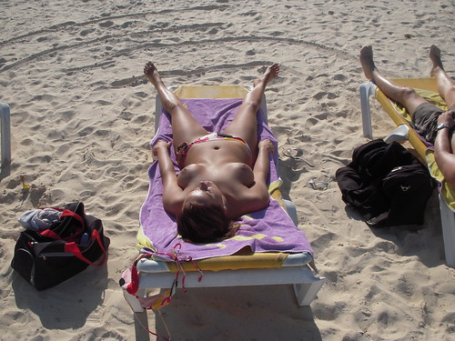 girls naked nude in public thread pics: topless,  nudist, beach