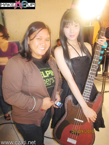 Czari of Make Me Up with the XLR8 pinoy pop band at Sweet Life QTV - A photo with Mio cosplayer