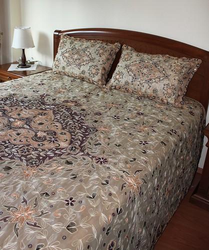 boncuklu yatak örtüsü