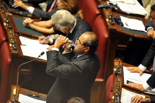 5041893873 c6c3c24fbc Due dipietristi pronti a salvare Berlusconi?