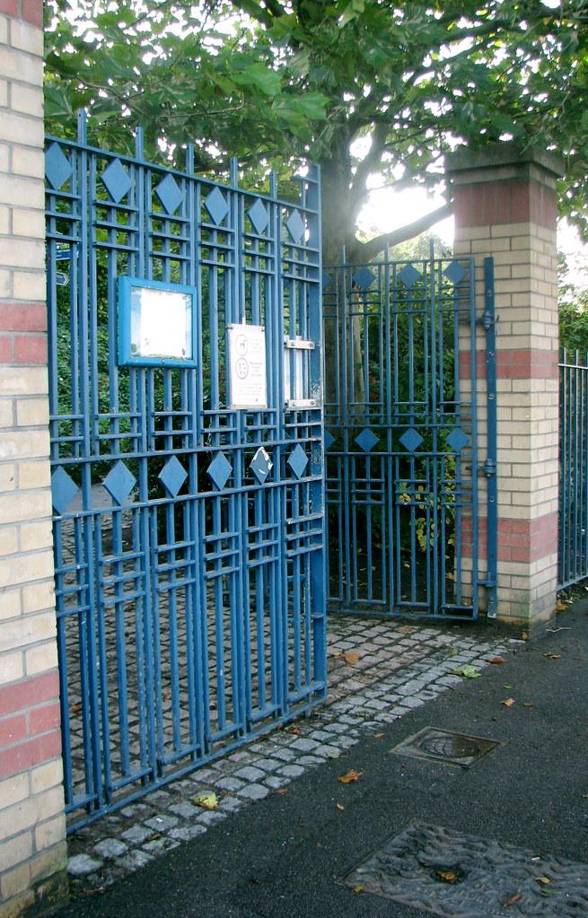 GATES TO MARYON PARK