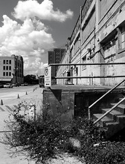 Peden Warehouse, 700 N. San Jacinto, Houston, Texas 0925101255BW (Patrick Feller) Tags: peden warehouse houston historic building structure harriscounty texas demolished ironsteel ironmountain united states north america