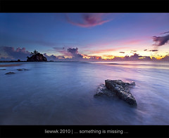 ... something is missing here ... (liewwk - www.liewwkphoto.com) Tags: above morning light sun sunrise canon day or horizon first filter lee malaysia rise  kemasik terengganu ascent   newvision 1635l   5dmark2  canon5dm2 liewwk httpliewwkmacroblogspotcom wwwliewwkphotocom  peregrino27newvision