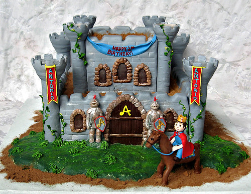 Antonio's castle cake with knights and horse_sm
