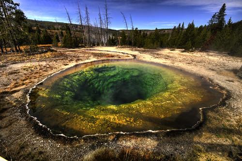 [フリー画像] 自然・風景, 湖・池, イエローストーン国立公園, 世界遺産, アメリカ合衆国, 201010162300
