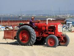 O Tractor vermelho (Markus Lüske) Tags: portugal algarve olhao ria formosa ilha da culatra lüske lueske luske