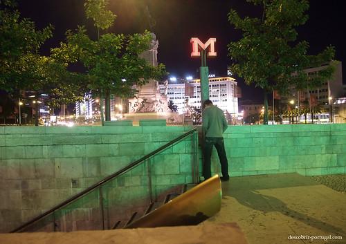 Para encontrar uma estação, basta procurar o M