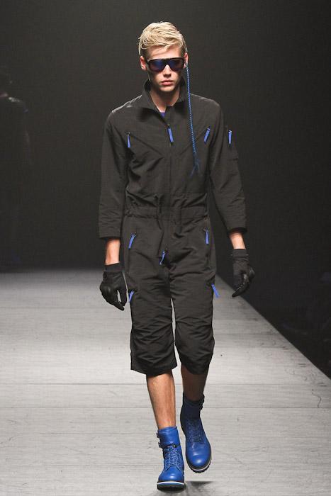 SS11_Tokyo_VANQUISH024_Jo Milnes(Fashionsnap)