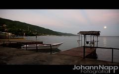 Amanece en San Antonio del Golfo, y la Luna Cae (johannphoto) Tags: ocean beach sunrise canon muelle boat fishing dock venezuela playa l 5d caribbean moonset ef2470mmf28lusm choza 2010 sucre caribe peero johannphoto johannnapp johannfoto