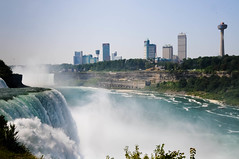 "Niagara Falls • <a style=""font-size:0.8em;"" href=""http://www.flickr.com/photos/29931407@N00/5179593968/"" target=""_blank"">View on Flickr</a>"