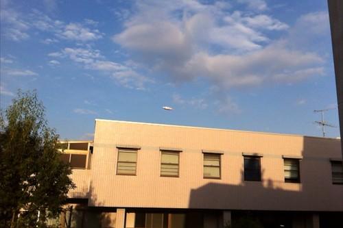 飛行船が飛んでる
