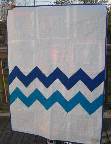 zigzag charity quilt back--blue/orange on front