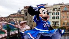 hey (haphopper) Tags: show entertainment minnie themepark tokyodisneysea 2010 big5 tds tdr big8 lidoisle meetsmile medharbor