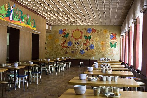 В львовских  школах запретят продажу жвачек и чипсов