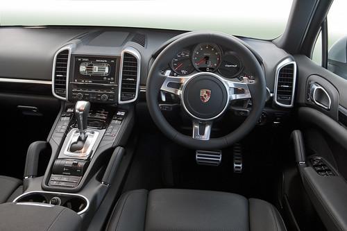 2010 Porsche Cayenne S Hybrid. Porsche Cayenne S Hybrid