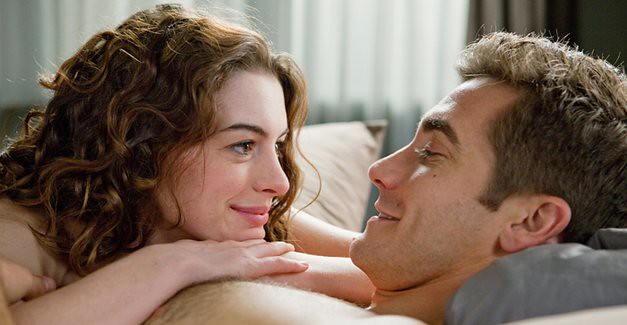 Anne Hathaway and Jake Gyllenhaal are the only particularly nice things about 'Love and Other Drugs'.