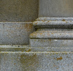 Stone alone (Grooover) Tags: wall suffolk pillar rotunda ickworth grooover