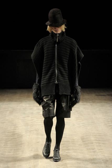 Paul Boche3210_FW11_Paris_Songzio(Simply Male Models)