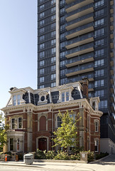 20170628. The contrast between 19th century architecture and contemporary condo tower at 582 Sherbourne. Featured in Toronto Architecture: A City Guide. (Vik Pahwa Photography) Tags: vikpahwacom vikpahwaphotography toronto jamescoopermansion 582sherbourne secondempire victorian condo condominium heritage contrast torontoarchitecture acityguide architecture curtainwall glassspandrel gbcaarchitects goldsmithborgalcompany burkaarchitects tridel