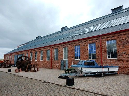 The Linthouse shipyard building