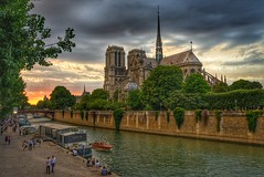Notre Dame cathedral as the sun goes down (alcowp) Tags: peniches sunset notredame religion seine river architecture cathedrale cathedral paris france