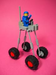 886 Giraffe (David Roberts 01341) Tags: lego classicspace rover moonbuggy minifigure minifig spacemanfun allterrain 4x4 vehicle scifi
