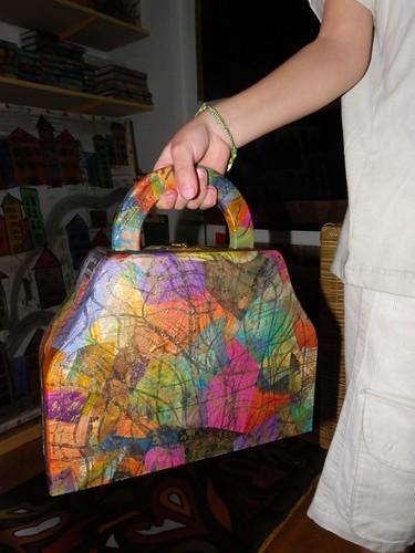 minha bolsa de madeira revestida de seda! by Atelier Mônica de Godoi