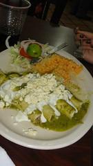 Flautas Zacatecanas (Gibraine) Tags: verde queso viajes zacatecas salsa pastor crema vacaciones ensalada restaurantes arroz comidas flautas tipicas rosticerias rosticeriaelpastor