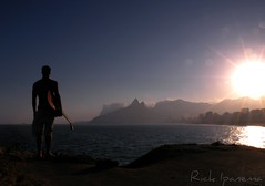 What a Wonderful World (.**rickipanema**.) Tags: brazil portrait music brasil riodejaneiro retrato praiadeipanema ipanema iz arpoador violo whatawonderfulworld pedrasdoarpoador rickipanema brazil2014 brasil2014 nikoncoolpixp80 rio2016 sunsetinipanemabeach sunsetinarpoador pordosolnapraiadeipanema arpoadorstones israelizkamakawiwoole musicinrio musicinbeach