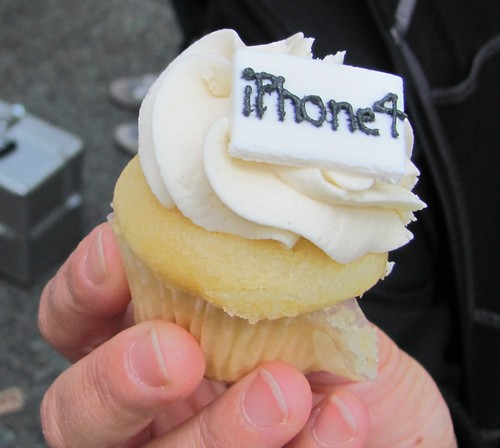iPhone4 Cupcake for Ariane Colenbrander, 1 of 600 Waiting in Line at Vancouver's Downtown Apple Store