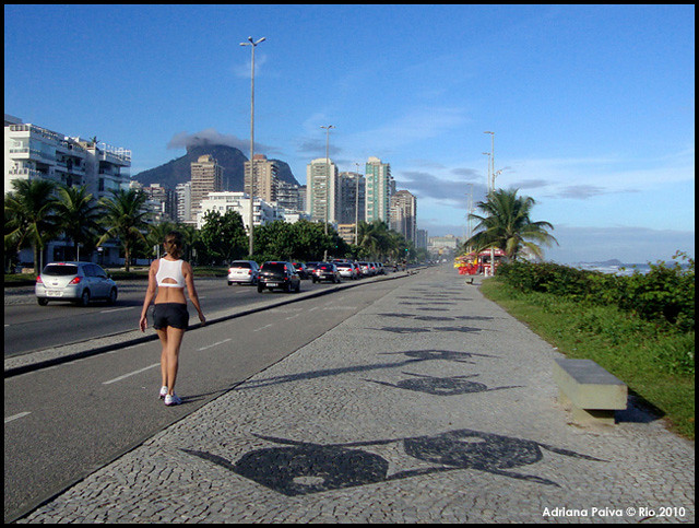 Avenida Sernambetiba