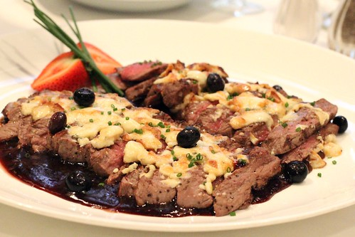 Filet with Smoked Blue Cheese and Blueberry Demi 3