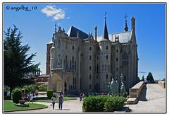 Palacio Episcopal de Astorga (angelbg) Tags: arquitectura arte gaudí urbana león modernismo palacio astorga antoniogaudí palacioepiscopal castillayleón arquitecturamodernista palacioepiscopaldeastorga