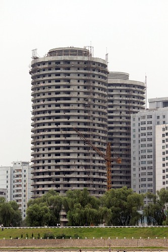 North Korea builds apartments in less than 5 minutes 4958480345_2c73d75a97