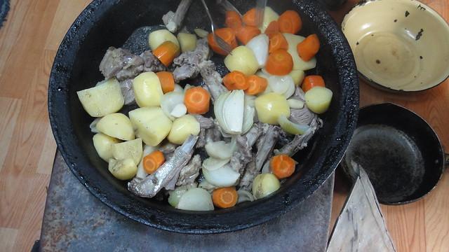 石頭烤羊肉