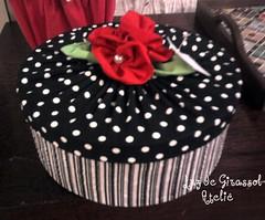 Caixa Decorada (Luz de Girassol Ateliê) Tags: como tampa de para flor na e caixa com kit serve tecido costura rococó poá decorada portajóia