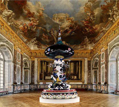 Takashi Murakami Tongari Kun 2003 2004 Fibra de vidrio acero y acrílico en el Salón de Hércules de Versalles