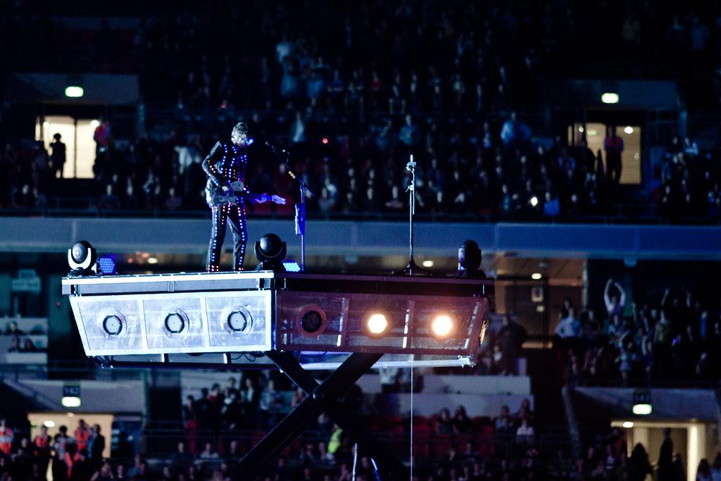 Muse @ Wembley Stadium 10th Sep: Levitating LED matt