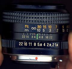 Auto Chinon 50mm f1.4 side