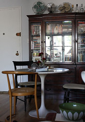 dining-room (GoodAfternoonan) Tags: apartment diningroom therapy tuliptable apartmenttherapy apartmenttherapyny