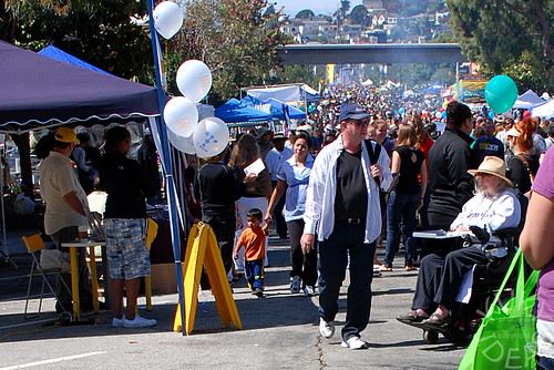 Crowds at Solano Stroll street festival