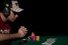 Poker face (Tony LI38) Tags: grenoble french flash poker franais artificiallight pokerface 50d strobist strobism lumireartificielle 1755mm28isusm strobisme tonyli38