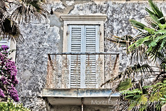 Closed door (Moritz Beierlein) Tags: door window wall geotagged lost balkon fenster croatia forgotten tür türe kroatien vergessen orebic vergessene geo:lat=4297422073 geo:lon=1717922688