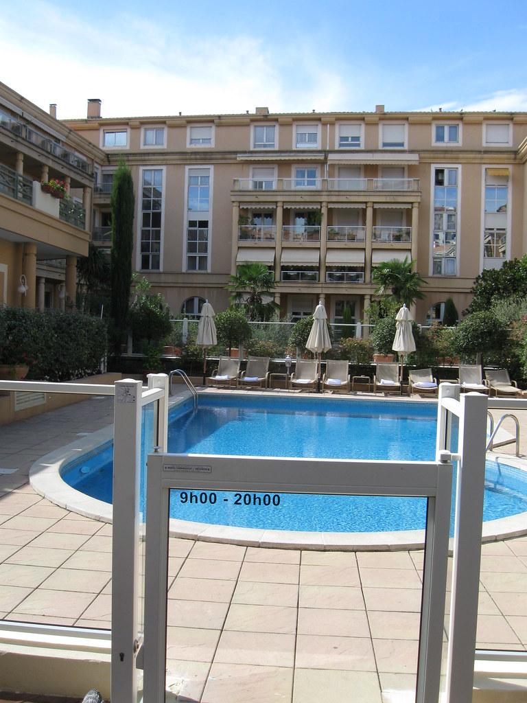Hotel Roi Rene - Outside Pool Area