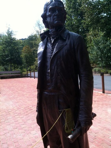 Thomas Jefferson knitting