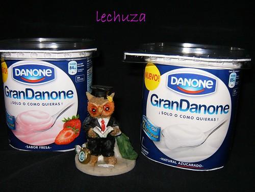 Tarta de yogur y moras-yogures