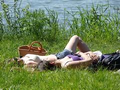 P1170147 (El-tra) Tags: girl candid cleavage nordrheinwestfalen downblouse northrhinewestphalia rheidt