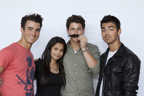 nick-jonas-fake-mustache