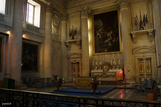 De très beaux tableaux décorent la chapelle